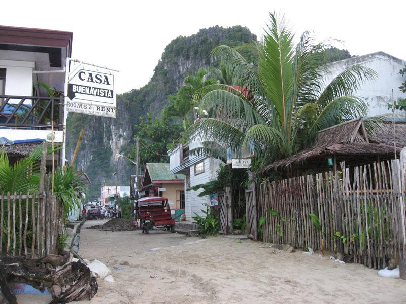 El Nido street undergoing repairs