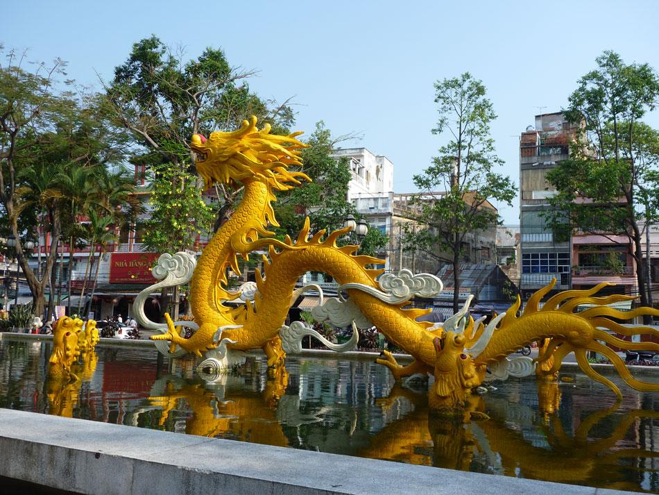 dragon-in-park
