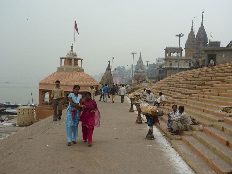 Varanasi-street-scene