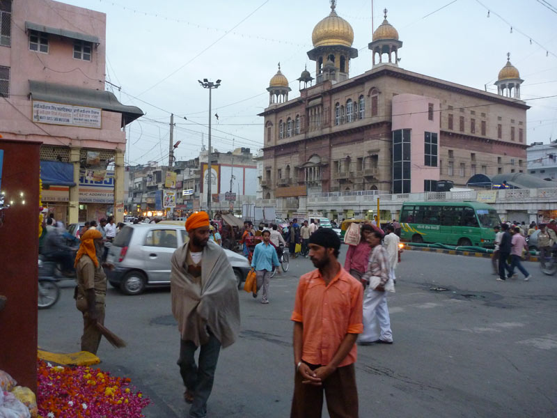 Sikhs around the Golden Temple at street level