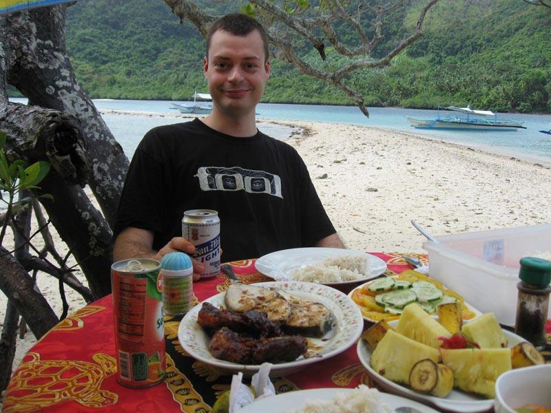 Dining in El Nido\'s Marine Reserve