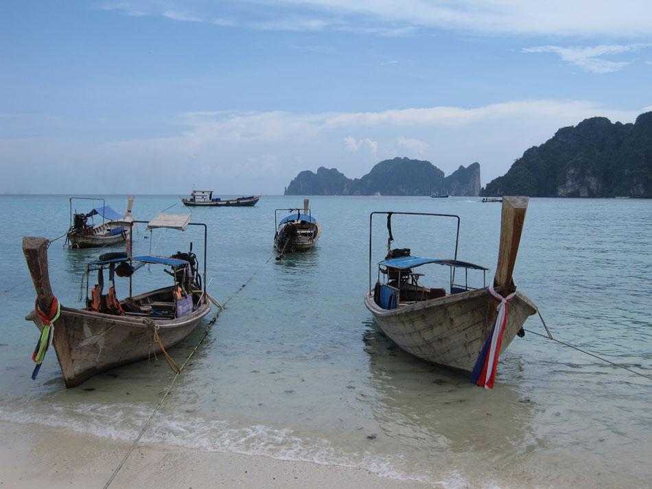 long-tail-boats-thailand