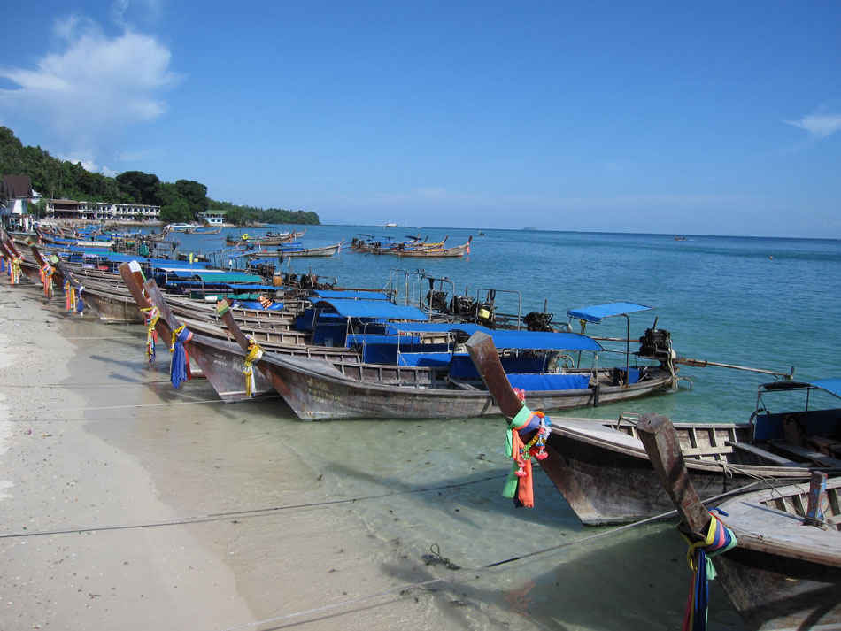 long-tail-boats