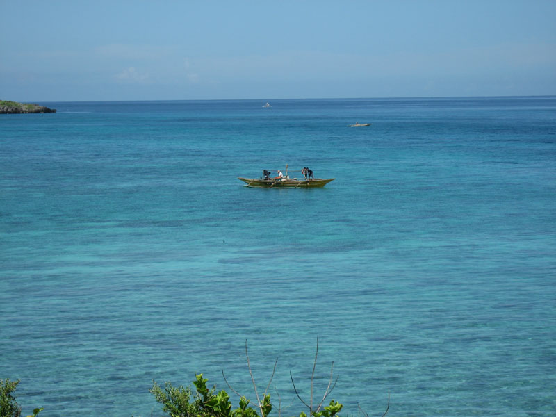 malapascua-fishermen.at.sea.jpg