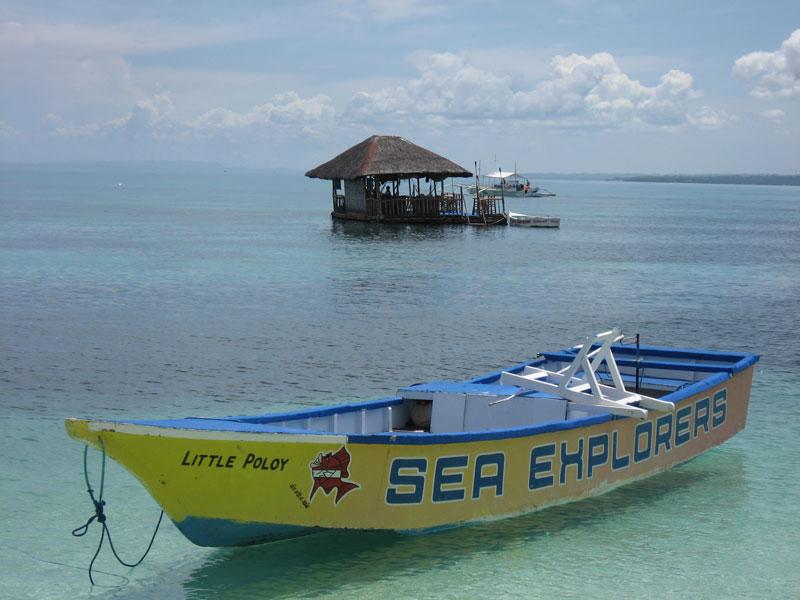1.Sunsplash-Floating-bar-on-Bounty-Beach.jpg