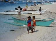 2.fishermen.kids.bounty.beach.jpg