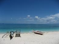 Guimbitayan.bancas.by.the.beach.jpg