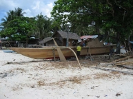 logon.malapascua.boat.building.jpg