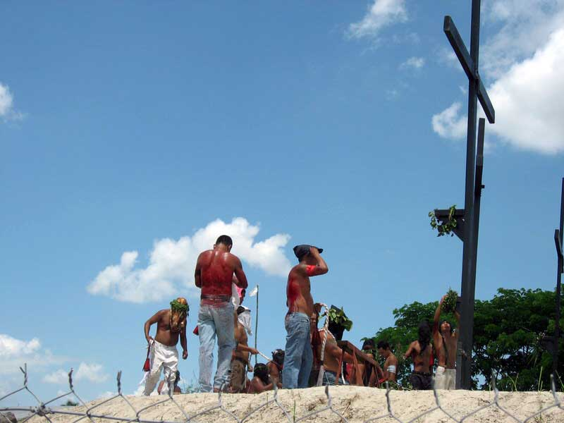the mamalaspas make it to the Holy Cross Crucifixion site