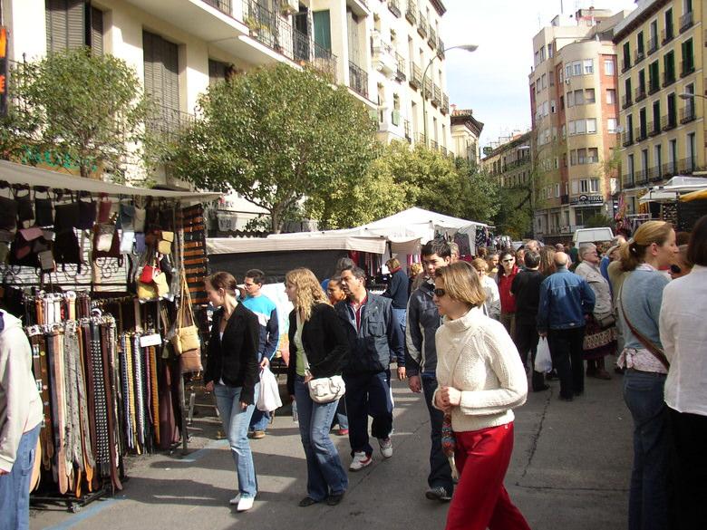 open air flea market: El Rastro