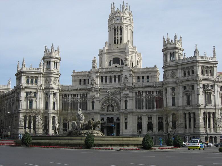 Plaza de Cibeles where you can see the Palacio de Comunicaciones