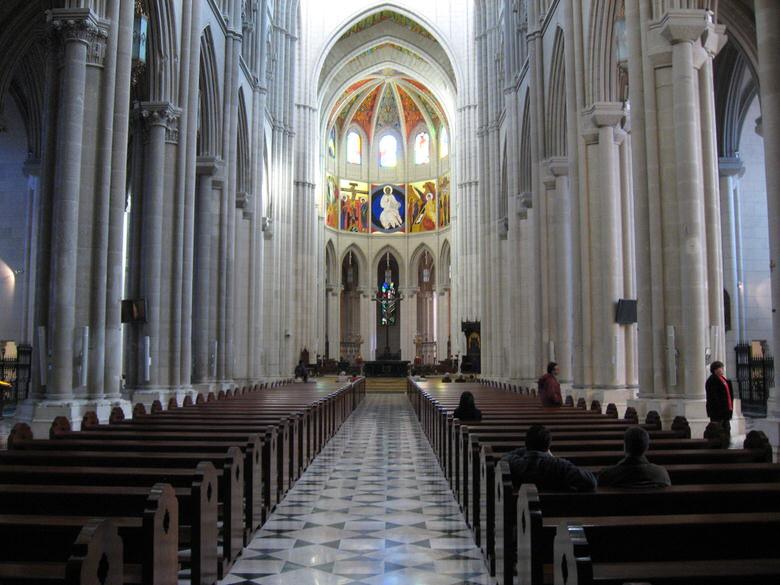 Catedral de la Almudena inside
