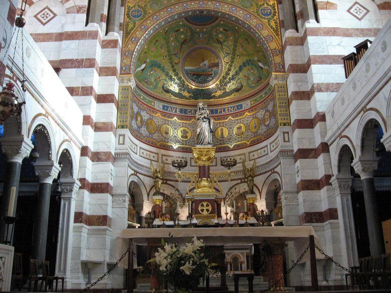 The nave Notre-Dame de la Garde
